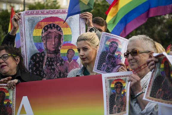 Solidaritäts-Protest für die polnische Menschenrechtlerin Elżbieta Podleśna