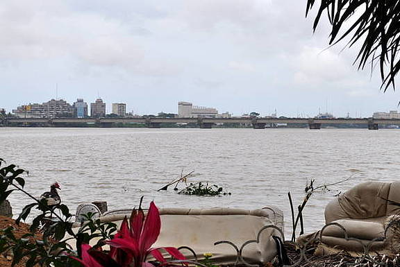 Lagune in Abidjan, Cote d'Ivoire