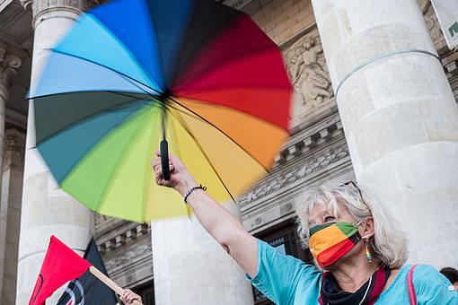 Solidaritätsprotest mit inhaftierten LGBTI-Aktivist_innen und gegen Homofeindlichkeit in Warschau, 8. August 2020 © Grzegorz Żukowski