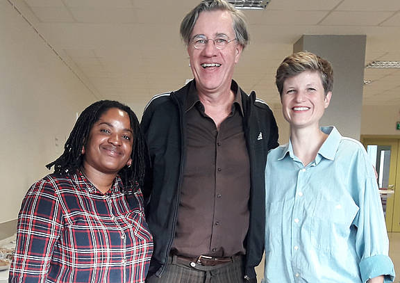 Nadia April (Women's Leadership Centre Namibia), Rupert Haag (Queeramnesty) und Franza Drechsel (Rosa-Luxemburg-Stiftung)