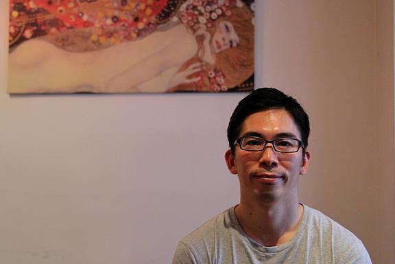 schwuler Mann aus Japan, der sich eine japanische Gesellschaft ohne Diskriminierung wünscht