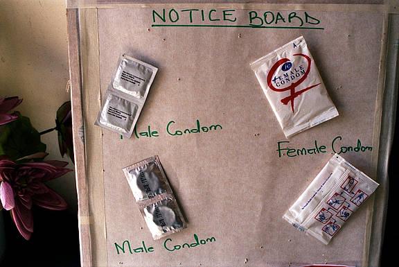 Kondome zur HIV/AIDS-Aufklärung und Gesundheitsvorsorge in Kenia
