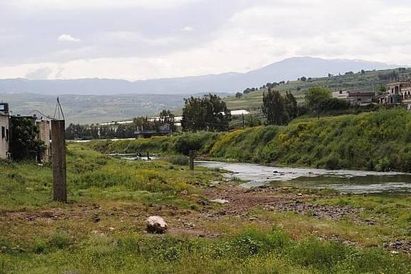 Syrisch-libanesische Grenze bei Tell Kalekh