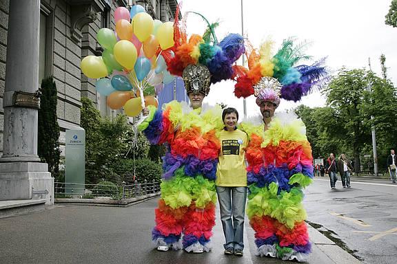 Euro Pride Festival 2009 in Zürich, Schweiz. Amnesty-Mitglieder, die für die Gleichberechtigung von LGBTI kämpfen © Amnesty International