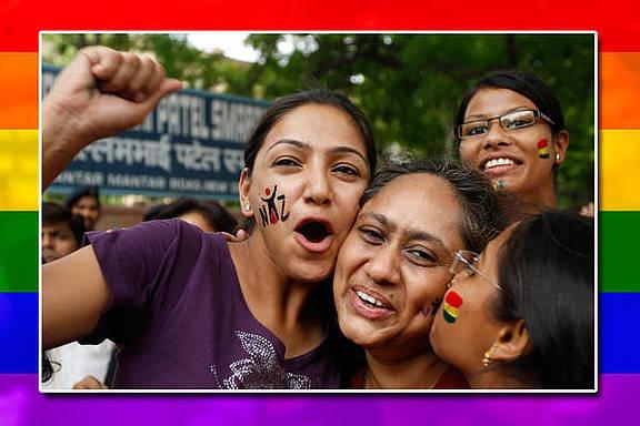 Indische LGBTI Aktivistinnen feiern im Juli 2009 die Dekriminalisierung von Homosexualität durch den Obersten Gerichtshof