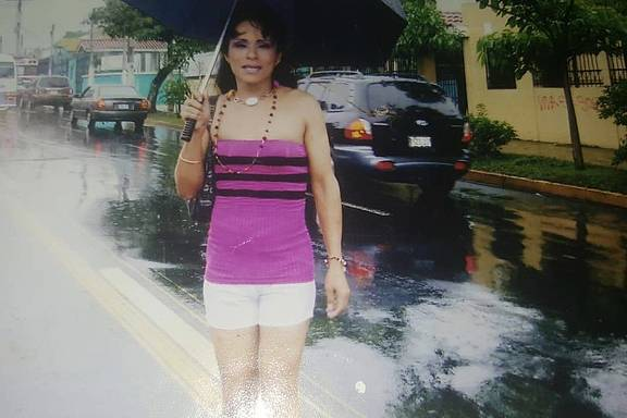 die 43-jährige Transfrau Alejandra aus El Salvador